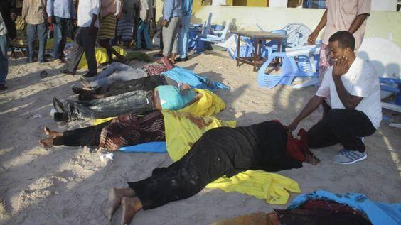Al-Shabaab treft strandtent Mogadishu met aanslag | NOS