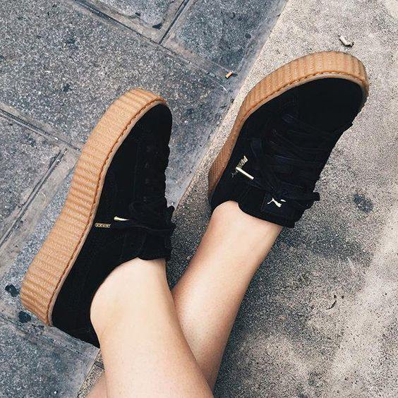 chaussures femme pumas and rihanna on pinterest. Black Bedroom Furniture Sets. Home Design Ideas