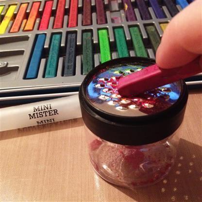How to make ink spray using Derwent Inktense blocks