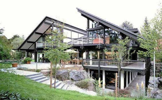 Huf haus has always been my favourite style of house