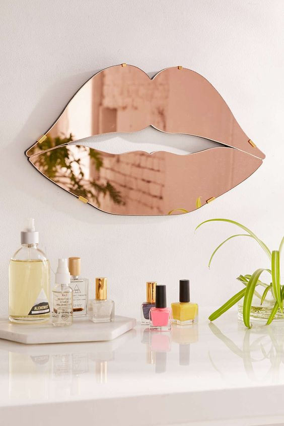 lips mirror urban outfitters copper and gold lips