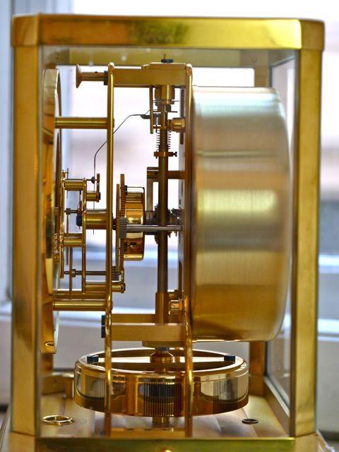 http://www.bachmann-scher.de/de/Jaeger-LeCoultre/Jaeger-LeCoultre-Atmos-Vintage-Gold-Plated-With-Brown-Dial-Bj.1960.html