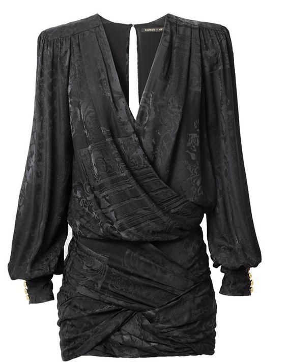 Une robe drapée