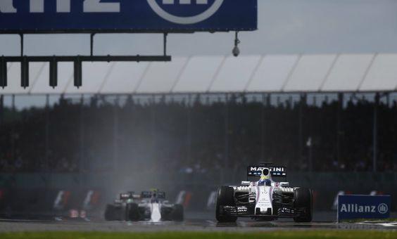 Felipe Massa chegou à frente de Valtteri Bottas no GP da Inglaterra (Foto: Divulgação)