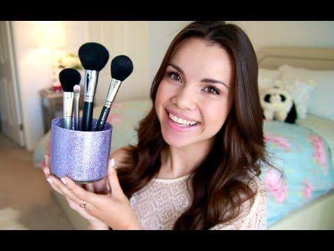 GIY Makeup Brush Holders!