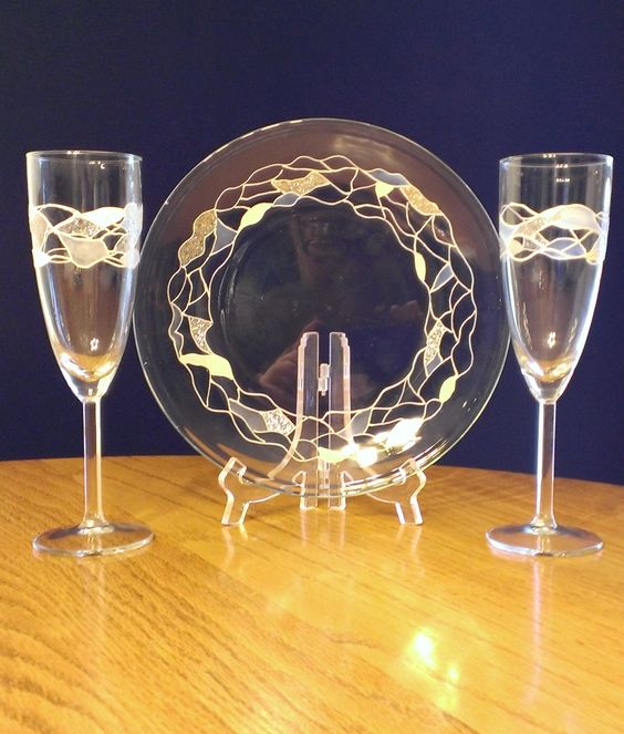 Plate and champagne glasses