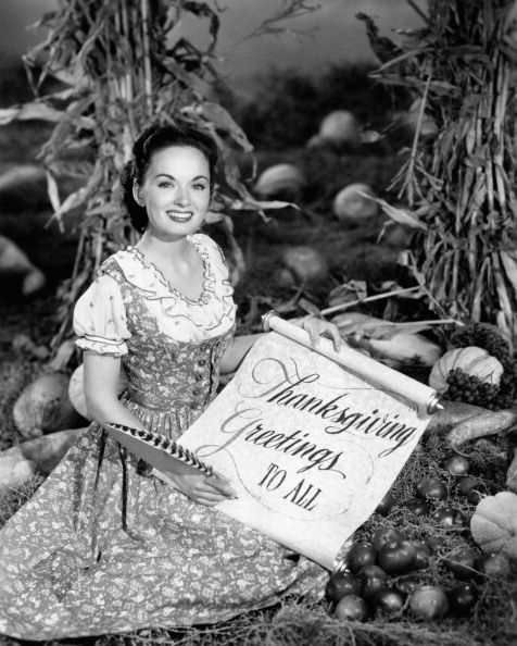ann blyth posing with a thanksgiving greeting | 1945 | #vintage #1940s #thanksgiving