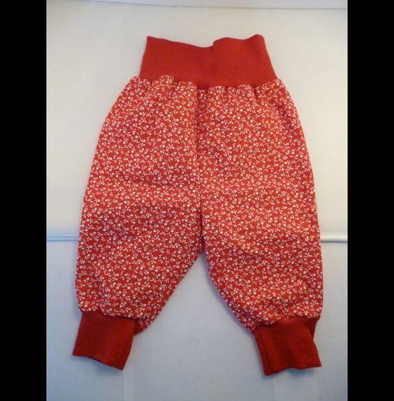 Hosen - Babyhose - Pumphose - rot mit Blümchen, Gr. 62 - ein Designerstück von Naniba bei DaWanda; € 18,50