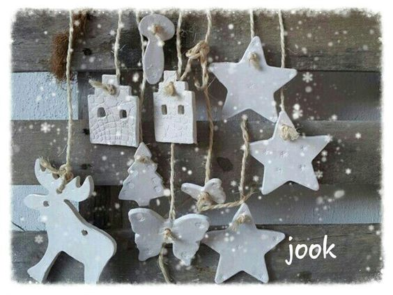 Ceramic Christmas accessoires