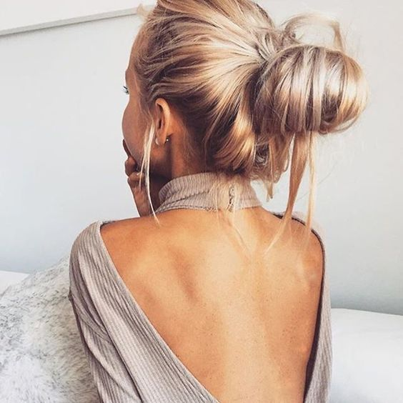 This messy bun via @christieswadling is giving us all the weekend hair vibes.  We can confirm that our locks will be looking like this for the next couple of days at least.  #messyhairdontcare #weekendhairvibes #messybunsforlife #ohhellohair: