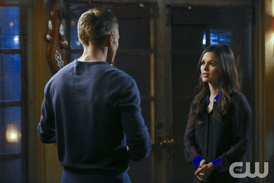 """Hart of Dixie -- """"The Gambler"""" -- Pictured (L-R): Wilson Bethel as Wade and Rachel Bilson as Dr. Zoe Hart -- Image Number: HA215c_0379b.jpg -- Photo: Greg Gayne/The CW �%u20AC%u201D � 2013 The CW Network, LLC. All rights reserved.pn"""