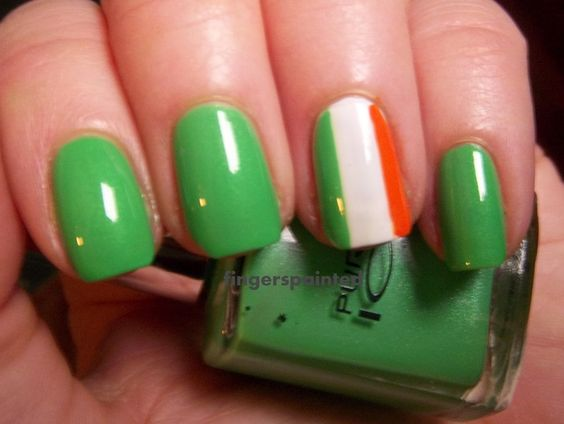 irish nails - I NEED to do this for St. Patrick's Day