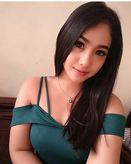 Cewek Cewek Indonesia Cantik Dan Imut Bikin Hati Selalu Adem Cantik Hotmild Imut Perempuan Kecantikan