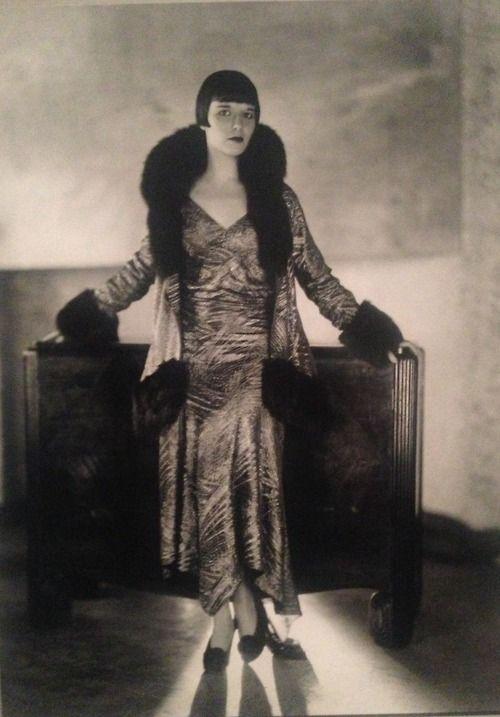 Louise Brooks photographed for Prix de Beauté, 1930