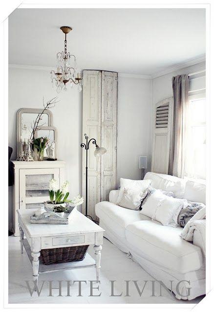 MY STYLE :: Gorgeous white :: white-living.blogspot.com | #livingroom #whites