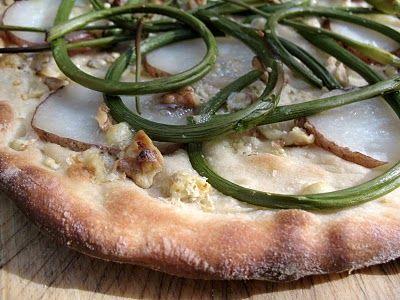 Garlic Scape Potato Pizza | Veggies-Yummm! | Pinterest | Pizza ...