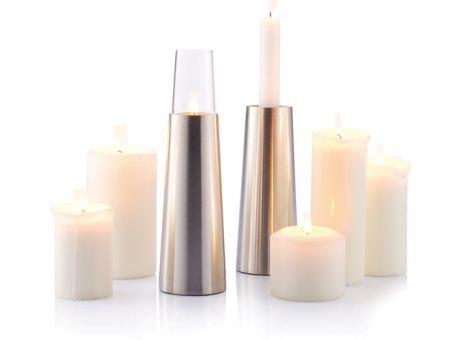 Set velas 2 en 1 Luma Luma es un set de portavelas 2 en 1 de acero inoxidable que puede sostener tanto velas pequeñas de té, como velas estándar. Este set incluye 2 velas de té para una velada a la luz de las velas. Diseño registrado® #promopresent #regalosdeempresa