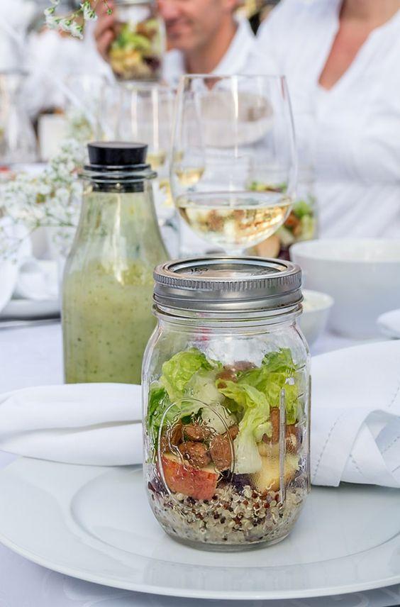 Salat Rezept im Glas mi Kokos-Basilikum Dressing für's Diner en Blanc