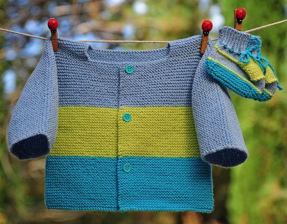 layette ensemble bleu et anis 3 mois brassière et chaussons neuf tricoté main : Mode Bébé par com3pom: