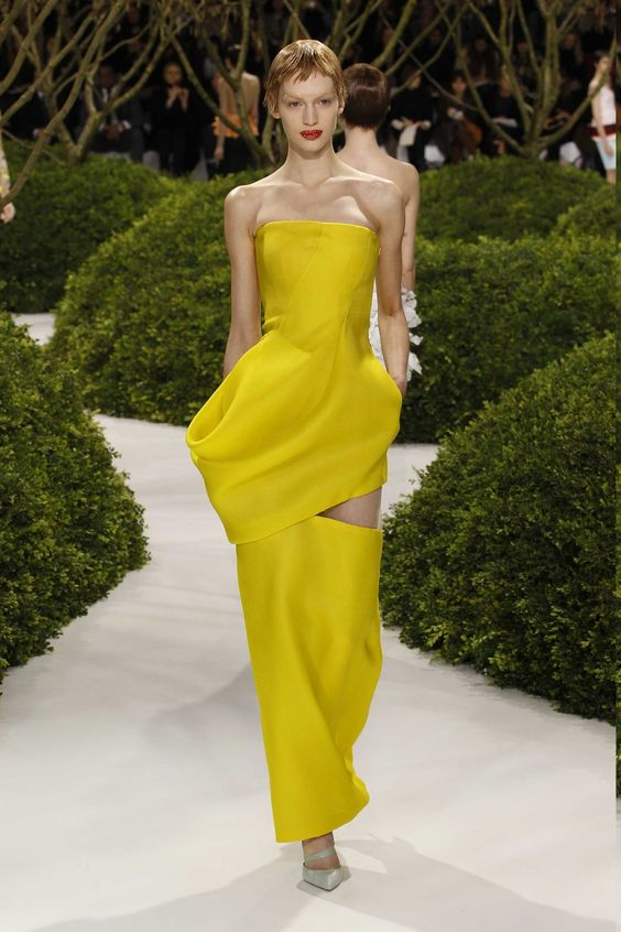 Dior Haute Couture Spring-Summer 2013 – Look 28: Bright yellow silk bustier evening dress.Discover more on www.dior.com #Dior#PFW