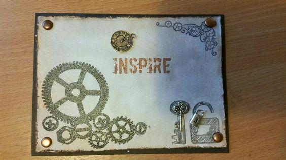 Stoere kaart met metalen sleutel en slotje en klok