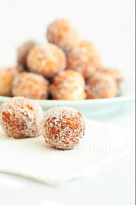 15 min. donut holes, from scratch... I must try this!