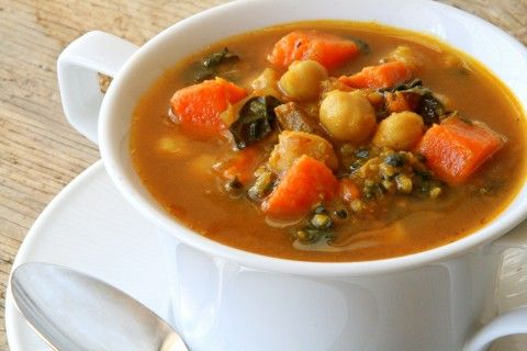 Curried Kale and Garbanzo Soup