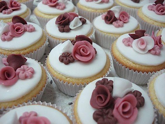 cake atelier | ATELIER LEMBRANÇAS EXCLUSIVAS: 15 anos-Espelho e cup cakes