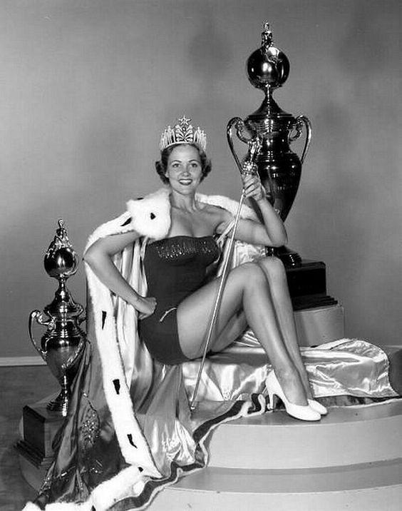 Miriam Stevenson – 1954, USA