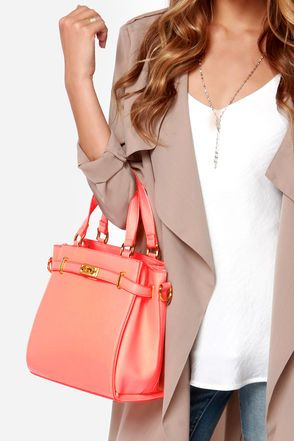 Cute Outfit!...Neutral basics with a pop of color. Perfect for Spring!