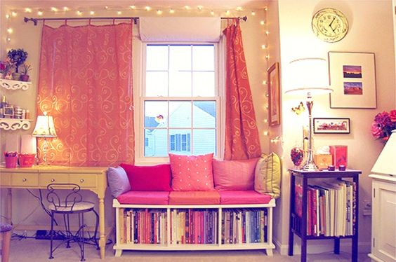 books + sofa! <3