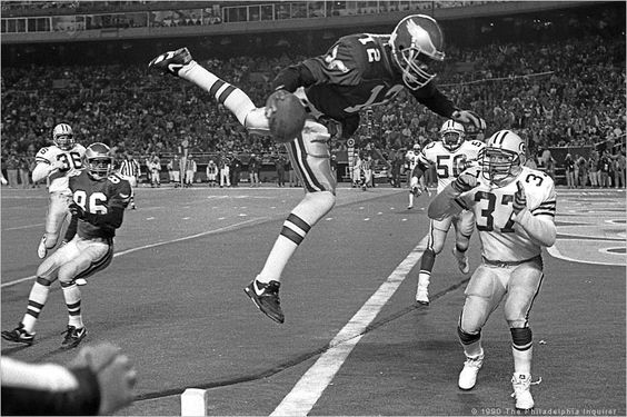 Randall Cunningham of the Philadelphia Eagles en route to a touchdown