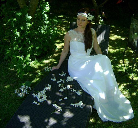 Robe de mariée bustier en dentelle de calais et jupe longue : Robe par faith-cauvain