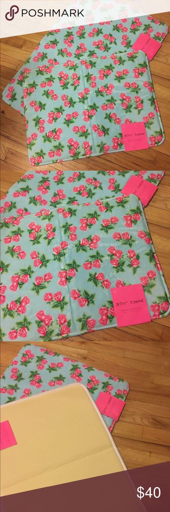 Betsy Johnson bath rug set New never used Betsey Johnson Other