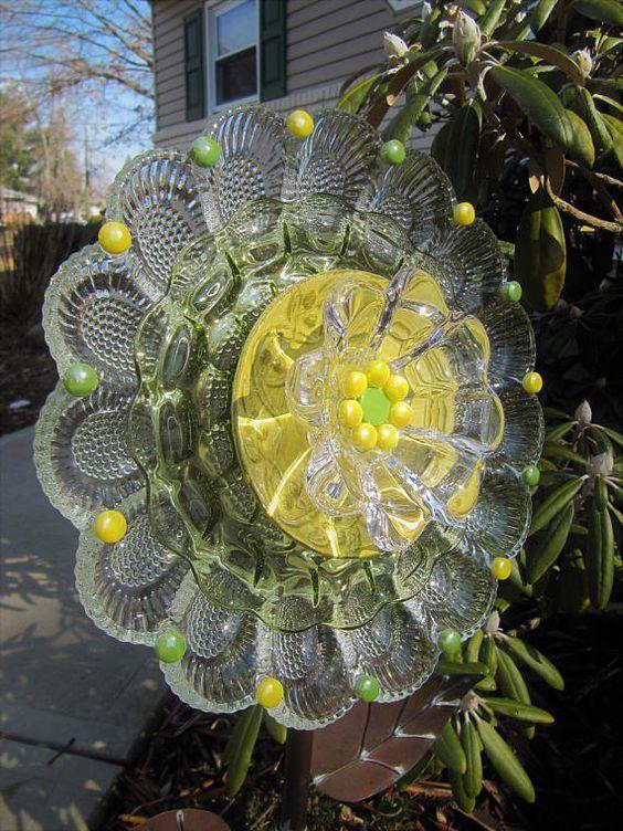 Glass Garden Art Plate Flower Yard Art Suncatchers Garden With