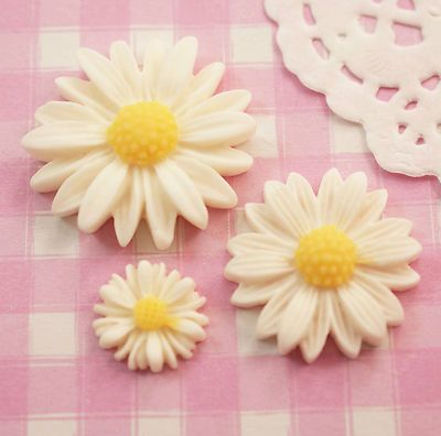 6 x White Daisy Cabochons Set Flat Back Beads Crafts Decoden Kitsch - UK SELLER | eBay