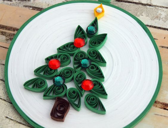 Christmas Tree Ornament, Quilled Paper, White and Green Round Coil, 'MERRY TREE'