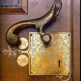 I want this door handle!!!