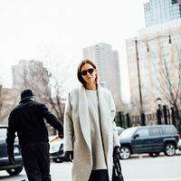 Hay vida más allá del clásico traje de chaqueta y del blanco y el negro: las mezclas más nuevas (y acertadas) para una 'working girl'