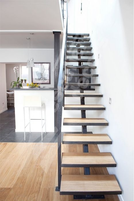 Best ideas about pr sentoir escalier central escalier et for Escalier en fer exterieur