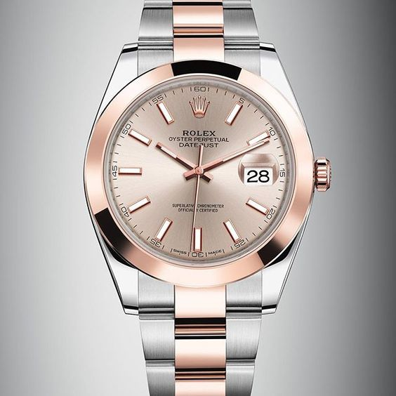 The new Datejust 41 Rolesor in steel and 18 ct Everose gold with a smooth bezel and sundust dial. #Rolex #Datejust #101031