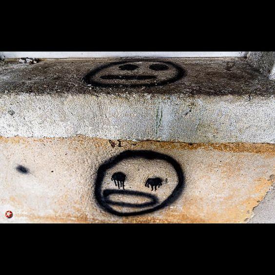 Zeichen #signs #dosenkunst #sprayart #urban #urbanexploration #urbex #graffiti #face #faces #gesicht #smiley #vergesseneorte #abandoned #myview #nikond750