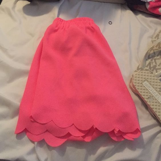 Scalloped shorts Hot pink scalloped polyester shorts Everly Shorts