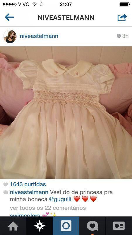 Guguili fazendo vestidos de princesa!!!