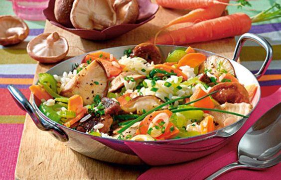 Reis-Pilz-Pfanne (Kohlenhydrat-Gruppe) - 10 schnelle Trennkost-Rezepte für jeden Tag - Reis-Pfannen mit viel Gemüse sind die perfekten Gerichte für eine Kohlenhydrat-Mahlzeit. Packen Sie einfach alles rein, was Sie noch an Resten im Kühlschrank haben - es schmeckt garantiert immer...