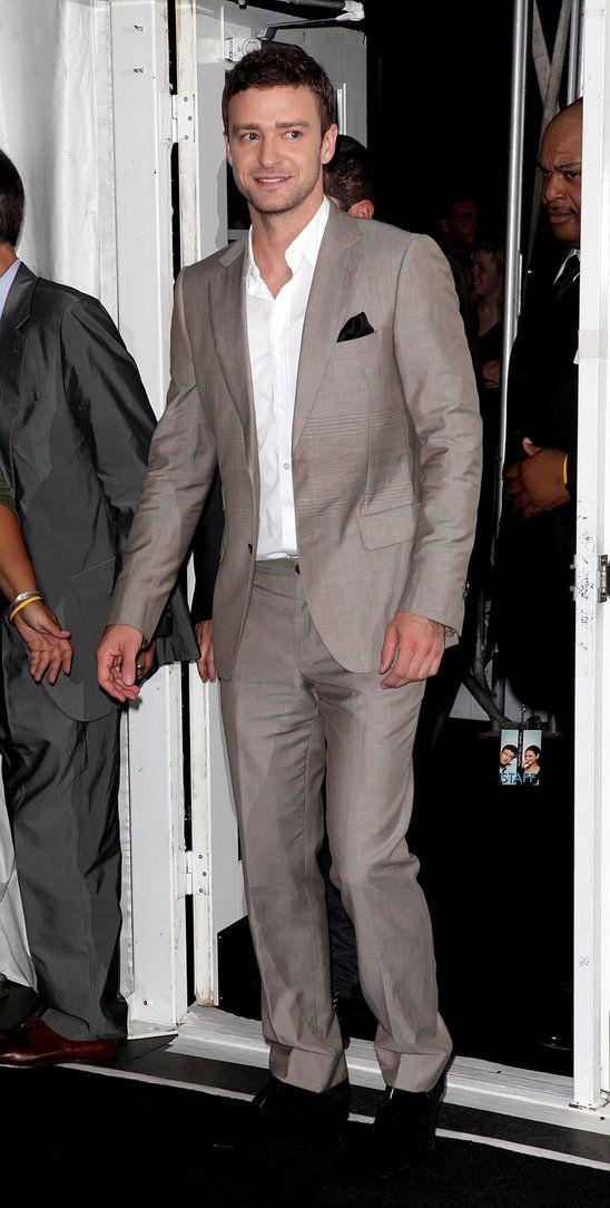 Justin Timberlake In Tan Suit With Black Pocket Square