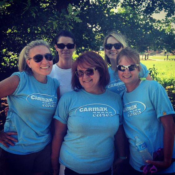 CarMax associates volunteered in the Children's Garden on June 5, 6, 13 and 17th. Here's the June 6th team.   #RVA