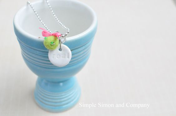 Simple Simon & Company: The Princess and the Pea Necklace Tutorial