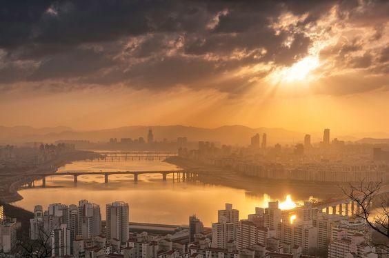 Han River. Seoul / Robert Koehler