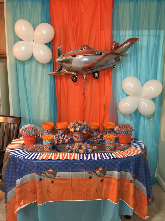 Candy table for a birth day party: Planes Disney (fire and rescue)